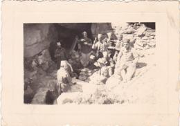 7ém R. T. A. Et Zouaves - Groupe De Soldats Au Repas à L'ombre : Photo RIGAUD Constantine - 1938 - Format 6cm X 8,,5cm - War, Military