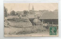 70 Haute Saone - Fretigney Lavoir Lavandières A L'entrée Du Village 1910 - Autres Communes