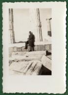 B-39429 SOUNION 1940s. Temple Of Poseidon / Man. Photo. - Anonymous Persons