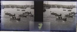 GENOVA : Port, Barques Des Hôtels Venant Chercher Croisiéristes (Hôtel Minerva)  Plaque De Verre Stéréoscopique. Négatif - Plaques De Verre