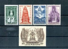 A25348)Luxemburg 382 - 386**, Madonna - Unused Stamps