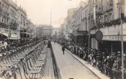 NIORT - Rue Victor Hugo Lors Du Corso Fleuri De Juin 1932 - Niort