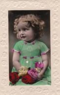 AS97 Children - Girl In Green Dress - Birthday Greeting - Groupes D'enfants & Familles