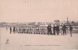 Bv - Rare Cpa LORIENT - Le 62è Au Repos Sur Le Champ De Manoeuvre - Lorient