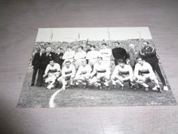 Sport ( 240 )  Thème :   Football  Voetbal  :  Foto  Brugge ? - Fútbol