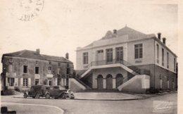 La Chaize Le Vicomte : La Salle Des Fêtes - La Chaize Le Vicomte