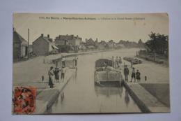 MARSEILLES-les-AUBIGNY-ecluse Et  Grand Bassin D'aubigny-MAUVAIS ETAT(decollement) - France