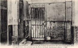 CP 75 Paris Conciergerie Extrémité Couloir Prisonniers Guillotine 4045 ND Levy Neurdein - Other Monuments