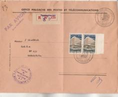 Madagascar Yvert 394 Paire Journée Timbre Lettre Recommandée Tananarive RP SP 430 Du 8/5/1964 Pour EV - Voir Description - Madagascar (1960-...)