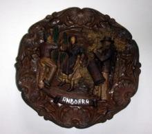 """Assiette Décorative En Bois Sculpté """"Andorra"""" - Altre Collezioni"""