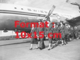 Reproduction D'une Photographie Ancienne De L'équipe D'équipage De La Compagnie Swissair Aéroport Zurich-Kloten En 1952 - Riproduzioni