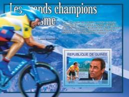 Guinea 2008 MNH - Les Grands Champions Dy Cyclisme: Bernard Hinault. YT 824, Mi 5434/BL1491 - Guinea (1958-...)