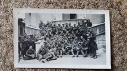 PHOTO SOUVENIR DE NOTRE FILS GEORGES SUREAU DE LA GUERRE 1939 1940 SOLDAT MILITAIRE GROUPE FORMAT 11.5 PAR 7 CM - Guerra, Militari