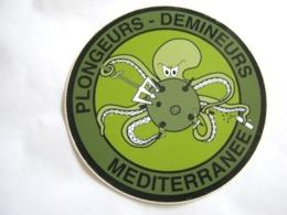 RARE ANCIEN AUTOCOLLANT GENIE PLONGEURS DEMINEURS MEDITERRANNEE - Army
