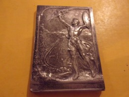 Médaille - Plaquette Bronze Argenté SPORT  Jeux Olympiques    Par P VANNIER 95 G - Professionnels / De Société
