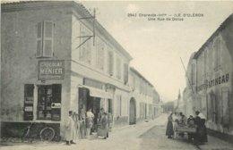 CPA 17 ILE D'OLERON COMMERCE ROIER GATINEAU  RUE DE DOLUS N°2842 EDIT.F.BRAUN VOIR IMAGES - Ile D'Oléron