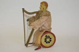 Harpiste Mécanique, France Fin XIXème, En Ordre De Marche Mécanique, Tôle Peinte Et Personnage Recouvert De Tissu. Haute - Otras Colecciones