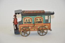 FISCHER: Bus Mécanique En Tôle Lithographiée, En Ordre De Marche. Début XXème.  Longueur: 16 Cm. - Other Collections