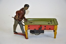 KIENBERGER: Joueur De Billard (Allemagne). En Tôle Lithographiée, Mécanisme En Ordre De Marche. 1912. Longueur: 15 Cm. B - Otras Colecciones