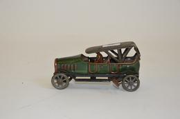 PENNY TOYS: Torpedo Mécanique Vert En Tôle Lithographiée, Avec Chauffeur. Longueur: 12 Cm. Manque Garde Boue-marche Pied - Other Collections