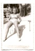 Photo Originale , Belle Femme En Maillot De Bain  , Dim. 6.0 X 9.0 Cm - Personas Anónimos