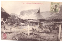 354   CAMBODGE  FERME CAMBODGIENNE   CARTE ANIMEE - Cambodge