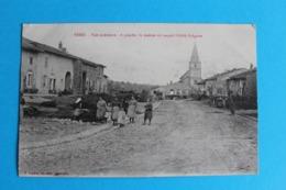 CPA Carte Postale Ancienne VEHO Scène De Village Personnage église - Landkaarten