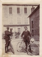 Photographie  Cyclisme 2 Hommes Avec Leur Vélo 1907 ( Ref 292 ) - Ciclismo