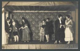 ALENCON (61) Théâtre Amateur Comédiens En Costume Sur Une Scène Spectacle Cachet Photographe Au Dos CPA Carte PHOTO - Alencon