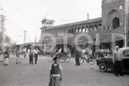 1961 HINDUSTAN TAXI STREET SCENE NEW OLD DELHI INDIA AMATEUR 35mm ORIGINAL NEGATIVE Not PHOTO No FOTO - Andere