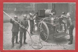 CPA: Pompiers - Manoeuvre De La Pompe électrique - Sapeurs-Pompiers