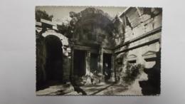 Le Temple De ..... - Nîmes
