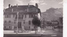 04 / BARCELONNETTE / L HOTEL DE VILLE / AU FOND LE CHAPEAU DE GENDARME / CIRC 1956 - Barcelonnette