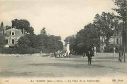 78* LE VESINET Place Republique         MA96,1044 - Le Vésinet