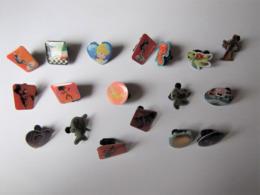Lot De 18 Pin's Disney - Badges