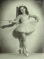 Grande Photo. Danse. Ballet. Opéra.  Jeune Danseuse En Tutu. Foto Verhassel. Bruxelles. - Mestieri