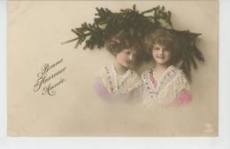 """ENFANTS - LITTLE GIRL - MAEDCHEN - Jolie Carte Fantaisie Portrait Fillettes De """"Bonne Année """" - Abbildungen"""