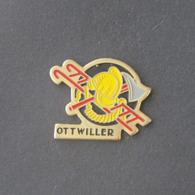 1 Pin's Sapeurs Pompiers D'OTTWILLER  (BAS RHIN - 67) - Pompiers
