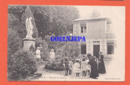 Retraite De  Thouars - Cour De L'Ange Gardien (religion, Religieuse, Scene De Vie) - Thouars