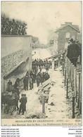 WW 51 AY EN CHAMPAGNE. Une Barricade Des Rues Pendant La Révolution De 1911. Les Etablissements Geldermann En Feu - Ay En Champagne