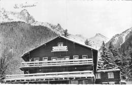 """74 - CHAMONIX - MONT BLANC : Le CHALET """" Premier De Cordée """"- CPSM Dentelée Noir Blanc Format CPA - Haute Savoie - Chamonix-Mont-Blanc"""
