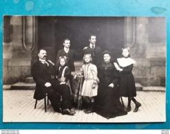 CPA - Carte Photo -  Famille Adressant Souhaits Pour 1914 à Mme DHEURLE Café Du GLOBE 48 Pl. D'Armes à CALAIS - Neujahr
