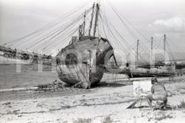1965 BARCO PESCA VIGO PONTEVEDRA GALICIA ESPANA SPAIN ESPAGNE AMATEUR 35mm ORIGINAL NEGATIVE Not PHOTO No FOTO - Photography