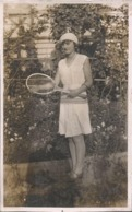 PIN UP Woman Femme TENNIS Player In Nice Clothes And Coiffure Carre Hair Style & Beret FASHION MODE - Photo 10x6cm 1920' - Sporten