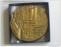 Médaille En Bronze IFP - Institut Francais Du Pétrole  **** EN ACHAT IMMEDIAT **** - France