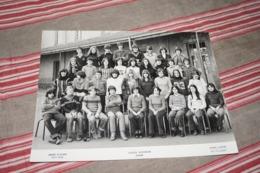 Photo De Classe COLLEGE NATIONALISE D'ISSOIRE 63 - Identified Persons