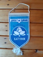 Vintage Pennant/Flagg- FK DINAMO BATUMI - Abbigliamento, Souvenirs & Varie