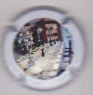 Capsule Champagne DOUSSOT Veuve ( 16b ; Salle à Manger ) {S43-19} - Unclassified