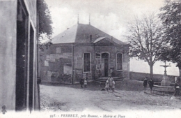 42 - Loire - PERREUX Pres Roanne - Mairie Et Place - Autres Communes