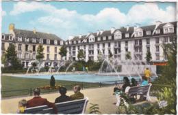 14. Pf. CAEN. Les Jets D'eau De La Place De La République. 1284 - Caen